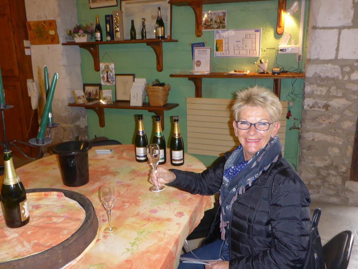 Champagne test i Mareuil suir Ay