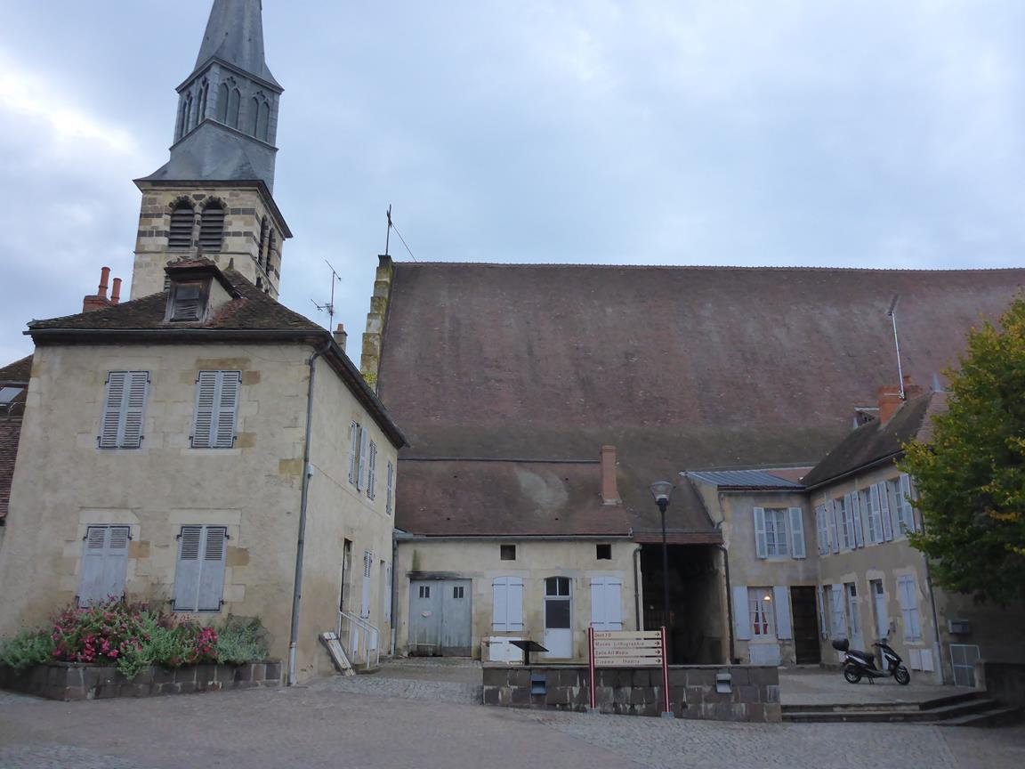 Pourcain-sur-sioule kyrka