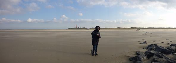 Mandy blåser bort på Texel